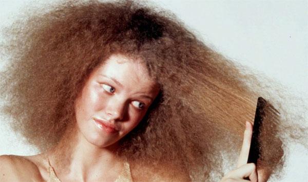 Como cuidar de cabelo feminino no inverno